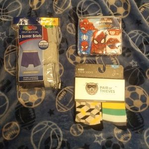 Boys Bundle NWT Underwear Size 6 and Socks